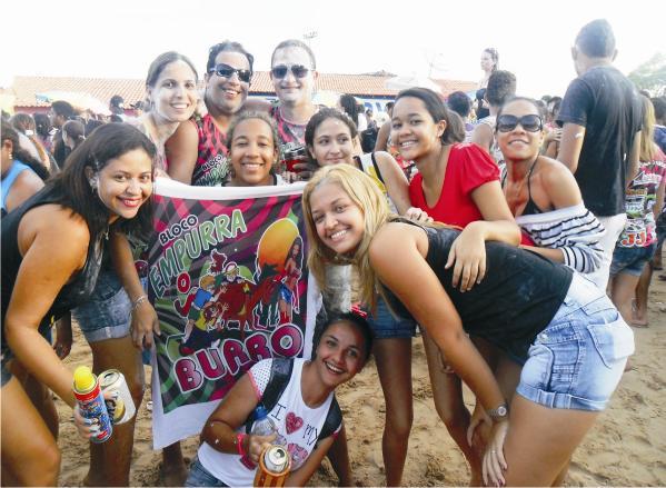 Empurra o Burro é bloco mais antigo de Araioses, 10 anos arrastando multidões. Informações falar com: Leônidas, Lulinha e Alessandra.