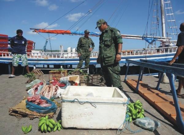 Policiais do BPA apreendem carne de animais silvestres na Rampa Campos Melo