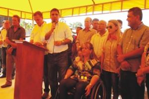 Deputado Max Barros ao discursar disse elogiou a administração de Valéria do Manin