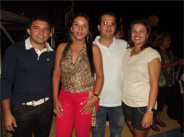 Os casais Vavá Bittencourt e Mariana e Tito e Lívia.
