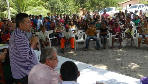Fernando Fialho participa da solenidade de entrega dos Títulos de Terra na zona rural de Barreirinhas - Foto/Benedito Junior