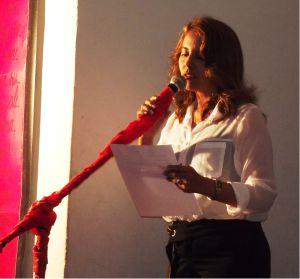 """Professora Luciane de Souza Rodrigues Costa fez a leitura do texto: """"Obstáculos"""""""