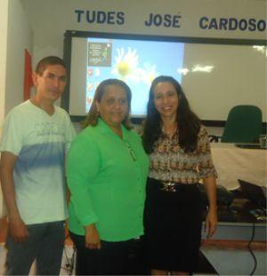 Profa. Ana Cássia C. Branco (SEDUC), entre o Presidente do CME (Prof. Bernardo Souza) e a Secretária Municipal de Educação de Araioses (Profa. Jaqueline Pimentel)