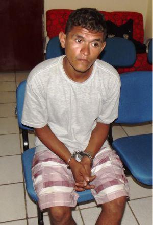 Cristiano Santos Conceição está preso na delegacia de Araioses