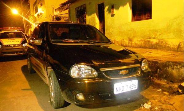 Veículo utilizado pelo casal em fuga