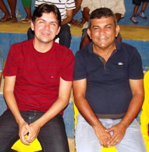 Manin Leal, ao lado de Victor Mendes, seu candidato a deputado federal
