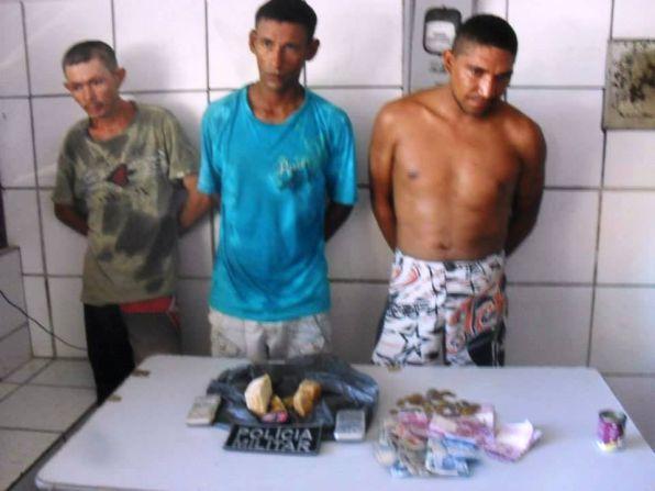 Viciados na Delegacia disseram que compraram a droga com Capoeira.