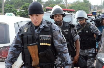 16jan2014-a-tropa-de-choque-da-policia-militar-tambem-foi-chamada-ao-complexo-penitenciario-de-pedrinhas-em-sao-luis-no-maranhaonesta-quinta-feira-16-para-conter-um-principio-de-rebeliao-no-local-1389900210301_956x