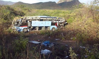 3_nibus_da_Guanabara_capota_deixando_um_morto_e_v_rios_feridos_nessa_madrugada