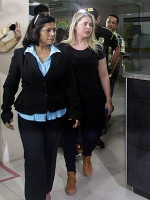 Ex-prefeita Lidiane Leite chega à Polícia Federal (Foto: De Jesus/ O Estado do Maranhão)