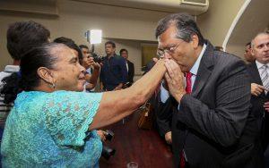 Governador Flávio Dino assinou decretos anticrise nesta quarta-feira (21). Foto: Gilson Teixeira/Secap